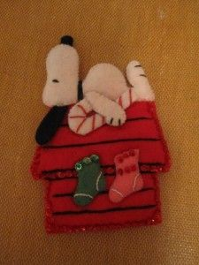 snoopy felt ornament inspiration- for mom!