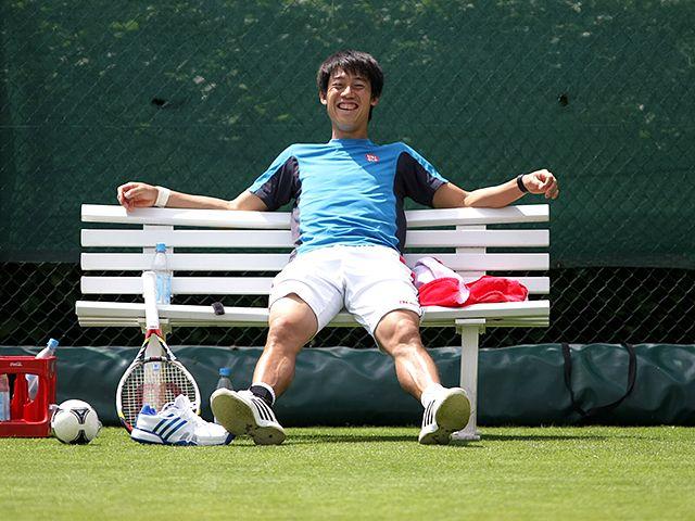 錦織圭がこれほど日本中から注目されるようになり、グランドスラム以外のたとえ小さな大会でもその初戦の結果からニュースで報じられるようになったことで、これまでテニスに詳しくなかった人たちからよく驚かれるのは、