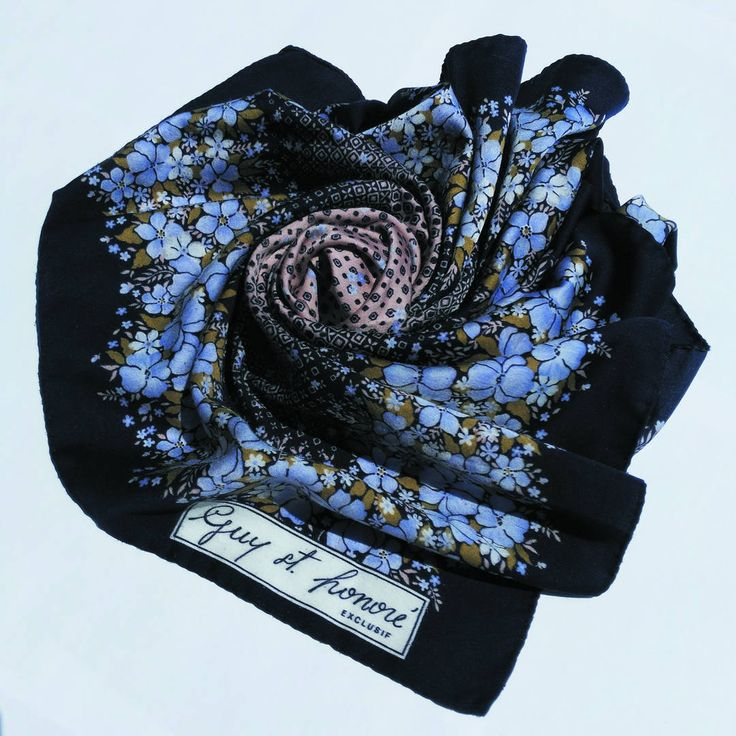Vintage Guy st. Honoré scarf