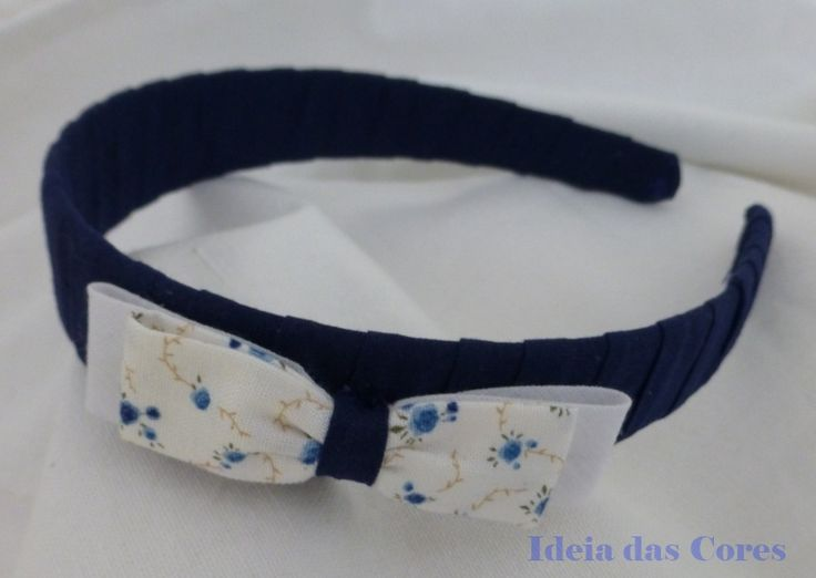 dark blue headband with a fabric lace/ bandolete azul escura com laço de tecido