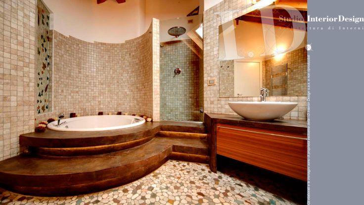 Bagno con vasca idromassaggio e box doccia vetro trasparente www ...
