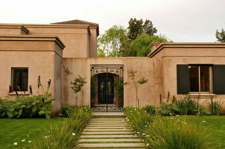 10 mejores ideas sobre molduras de ventanas exteriores en for Casas para exteriores