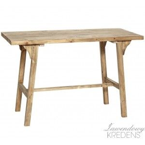 Drewniane biurka w stylu skandynawskim o prostym kształcie. Więcej na http://lawendowykredens.pl/pl/134-meble-hubsch