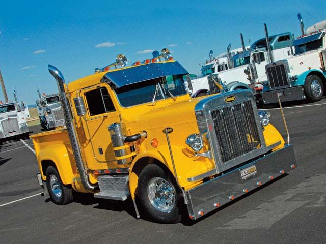 Google Image Result for http://www.agileguitarforum.com/uploader/pfiles/5615/Peterbilt_Pickup_front.jpg