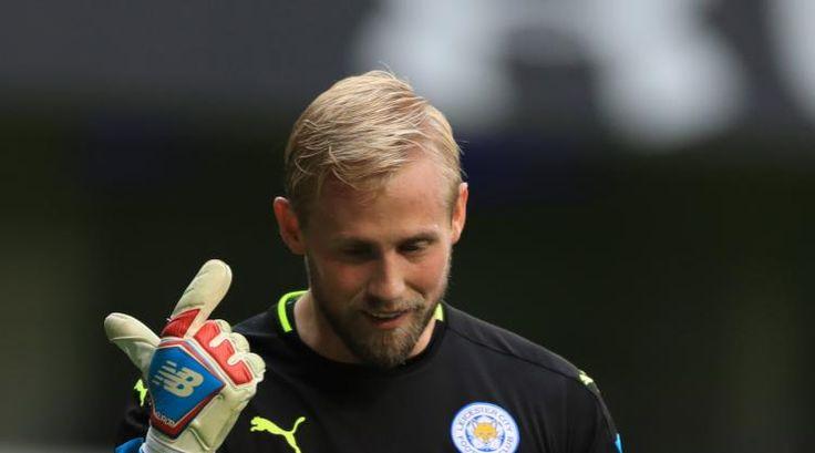 Kasper Schmeichel to miss a month after breaking hand