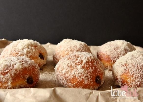 Шоколадные пончики с ванильным сахаром