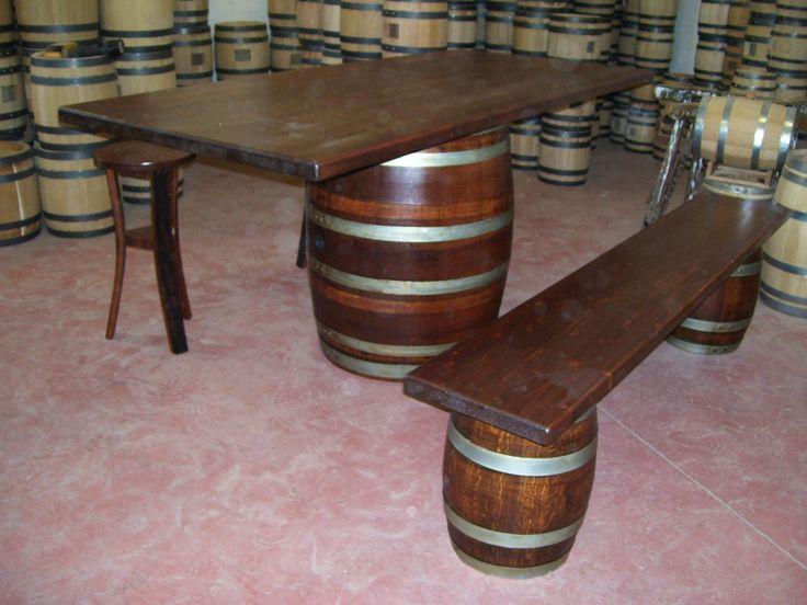 1262 - #Tavolo da #birreria e #osteria da 2 metri con #panca a corredo o #sgabelli treppiede e a #botte. Tel.0547 310171