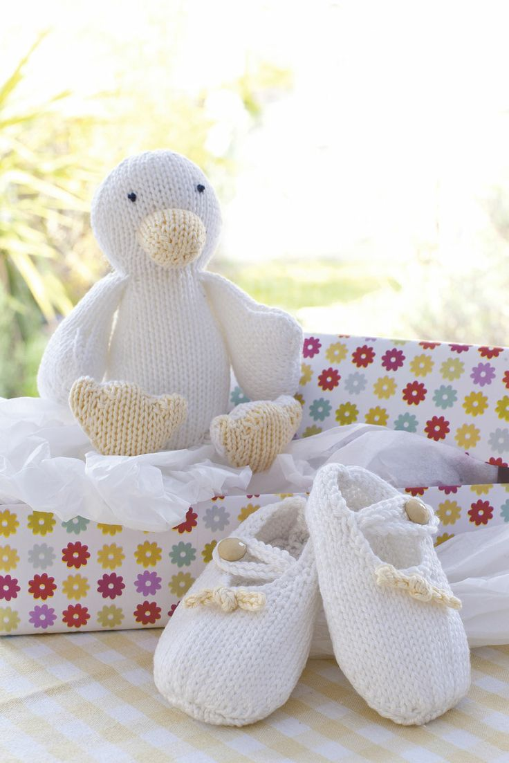 Knitting Pattern Duck Toy : Knitting Pattern duck toy baby booties knitting Pinterest Knit patterns...