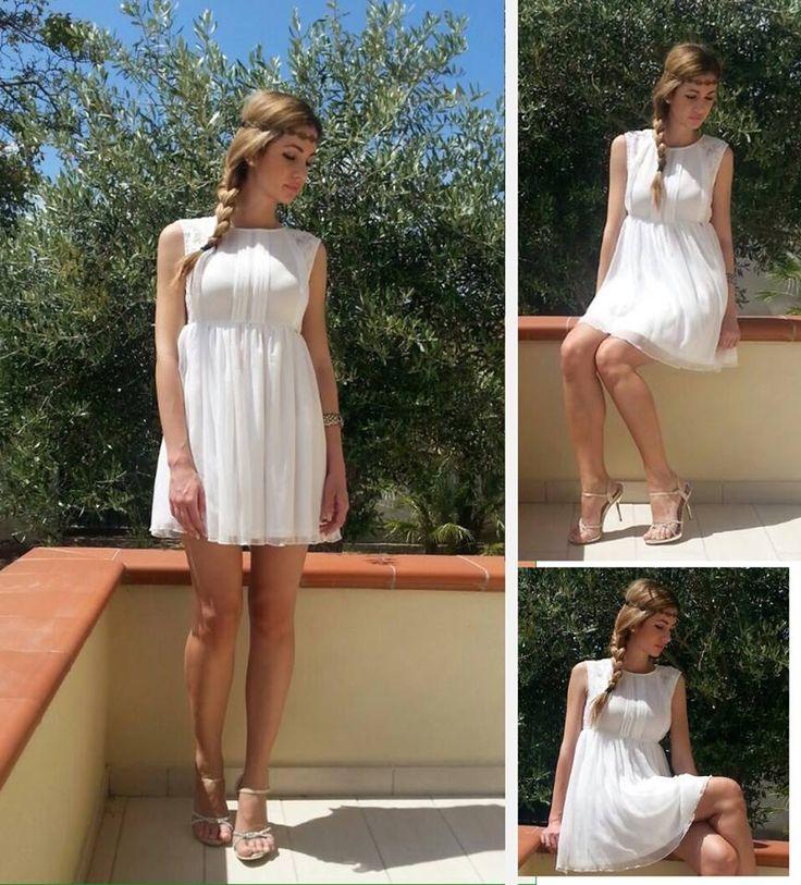 Bellissima la modella Susy con il romantico abito Cointa!...e tu vorresti essere bella e romantica come Susy? #raffaellaboutique è l'espressione della #femminilità incondizionata