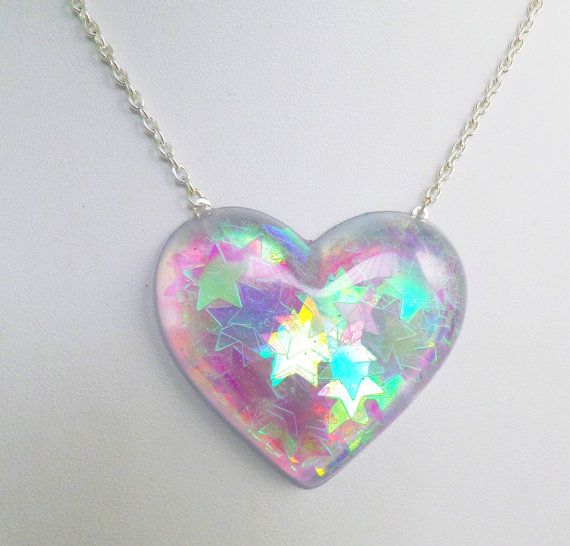 Holographic Iridescent Stars Heart Shaped Pendant от CandyShockUK