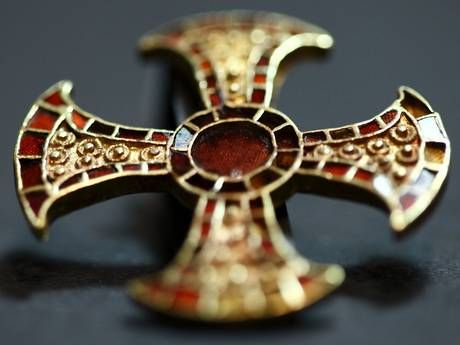 Cambridge University Archaeological Unit. cross found in the grave of a 7th c Anglo-Saxon princess