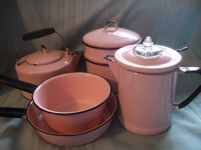 perfectly pink enamelware =)) Ha ha! The husband would never tolerate these in real life