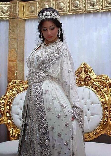 caftan sari indien blanc & argenté très classe . caftan de mariage haute couture à faire sur mesure