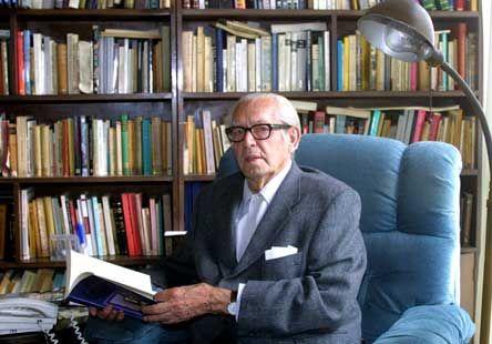Adolfo Sánchez Vázquez en su casa