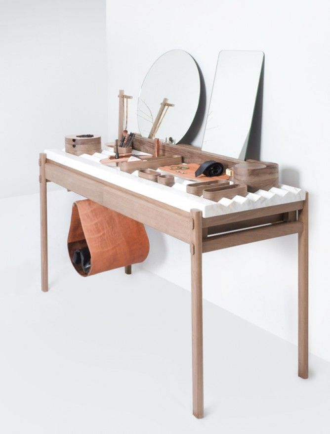 Lovely Market News.  La coiffeuse design de Studio 248.