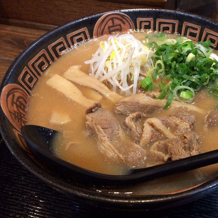 徳島ラーメン(肉入り)  Tokushima Ramen ¥700-