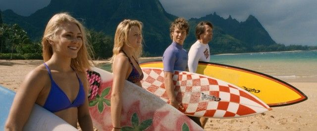 Ain't nothin' horrible gonna happen today. Bethany Hamilton (AnnaSophia Robb) is all smiles as she prepares to take a Halloween surf with her best friend (Lorraine Nicholson) and her family (Jeremy Sumpter, Kevin Sorbo). -- Soul Surfer: Blu-ray + DVD Combo Pack Review