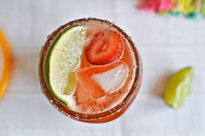 fresh strawberry margaritas: Fun Recipe, Strawberries Fresh, Strawberries Drinks, Strawberries Margaritas Yum, Margaritas Recipe, Fresh Strawberries Margaritas, Fruit Recipe, Strawberry Margarita, Fresh Fruit