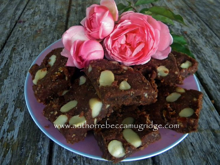 Bek's Raw Energy Date and Pecan Chocolate Slice - as seen in Holistic Bliss Magazine http://issuu.com/nessfinn/docs/holistic_bliss_apr_vol_45