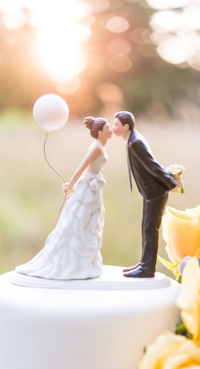 Aww.. love the balloon!~ #wedding  Cake Topper
