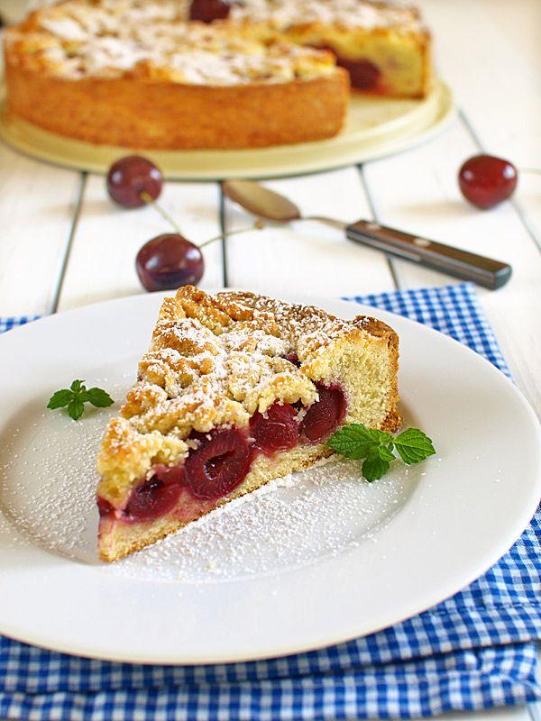 Ciasto z czereśniami urokliwie pyszne - MniamMniam.pl