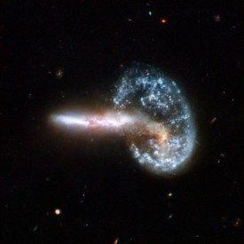 galaktyki2_hubble - obiekt Mayalla, czyli zderzenie dwóch galaktyk - 500 milionów lat świetlnych od Ziemi , zdjęcie z Teleskopu Hubble'a