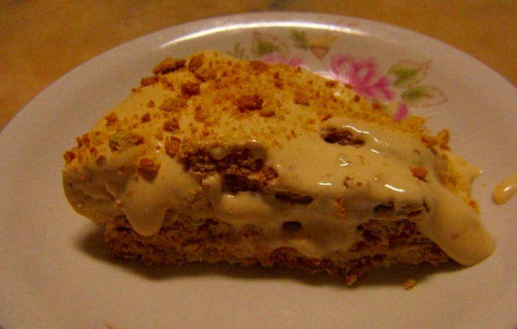 Receita de Bolo de Bolacha com creme de leite condensado - http://www.receitasja.com/receita-de-bolo-de-bolacha-com-creme-de-leite-condensado/