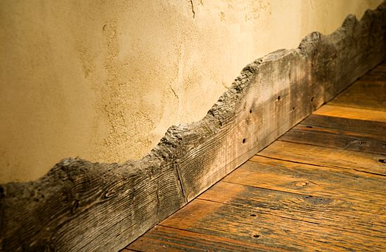 What a great idea for a rustic trim for the floor or as a crown molding!: Wood Trim, Cabin, Idea, Barnwood, Mud Rooms, Rustic Decor, Natural Wood, Baseboards, Barns Wood