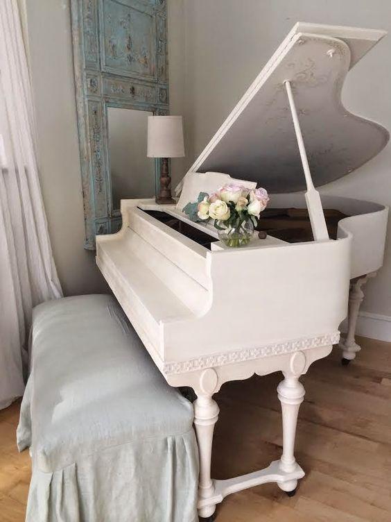 Resultado de imagen para piano de cola blanco elegante