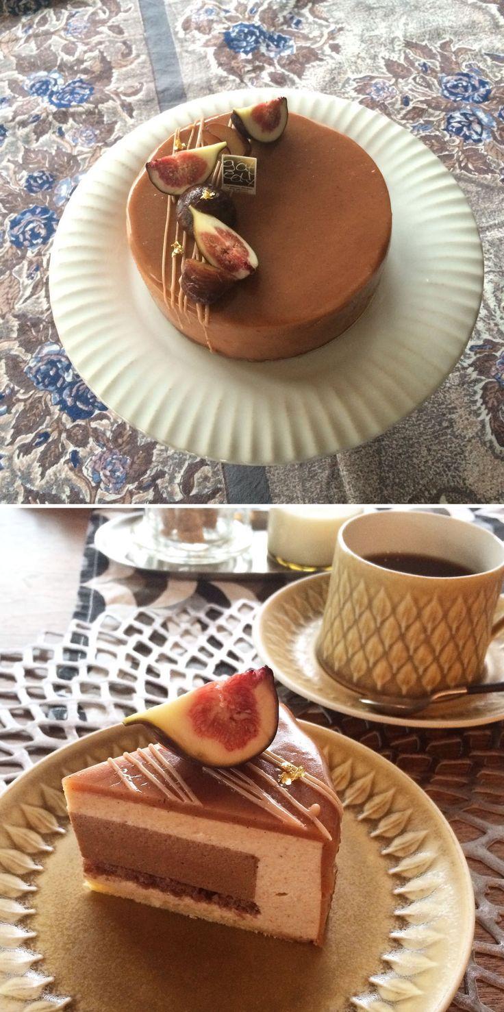 Maron Entremets  マロンのアントルメ。 私の作ってみたいを凝縮したケーキです。 マロンとチョコレートのムース。甘さを控えめに口の中でとろける食感に仕上げました。