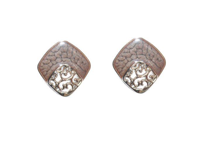 gold finishing stud earrings
