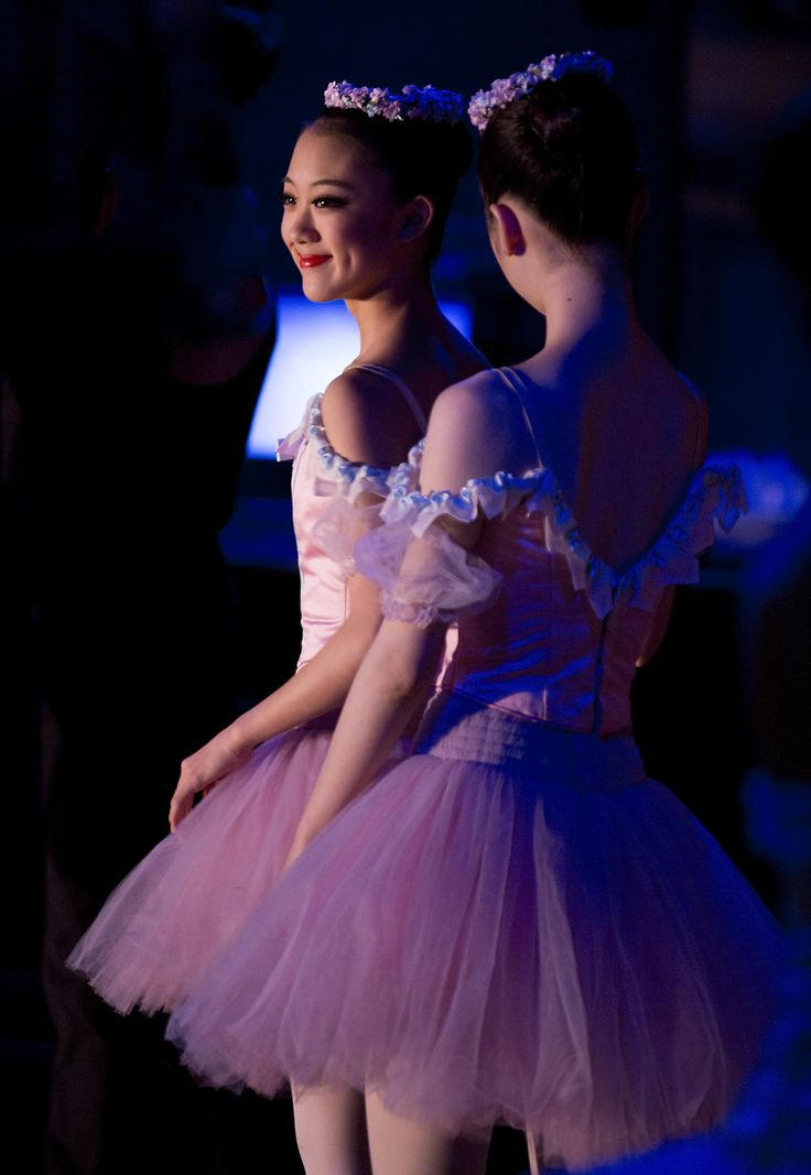 Level 8 Student Yuumi Yamada performed in Sydney with The Australian Ballet's Swan Lake! Yuumi was seconded to the company for the Sydney Season in 2016 and as you would expect she was over the moon with excitement. Thanks to Lynette Wills for the lovely photo.