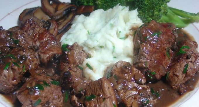 Sirloin Tips With Homemade Garlic Mashed Potatoes