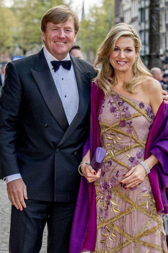 Koningin Máxima straalt weer in japon Jan Taminiau | Home | AD.nl