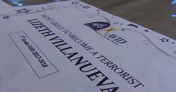 Τέξας: Δάσκαλος απολύθηκε γιατί έδωσε το βραβείο «πιθανότατα θα γίνει τρομοκράτης» σε 13χρονη