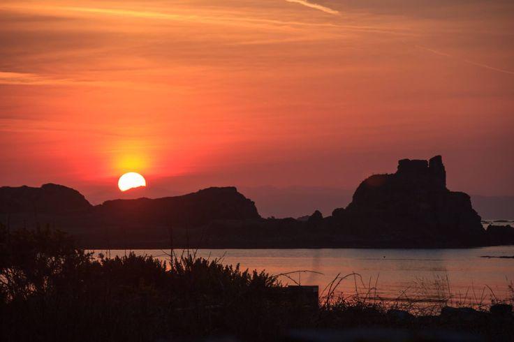 Sunrise at Dunyvaig Castle, Isle of Islay.