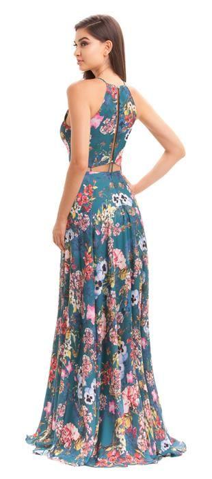 Vestido longo de cetim estampado em tema floral, com decote profundo e recortes estratégicos na cintura com detalhes em cordão. Modelo feminino e moderno para as mulheres que estão em busca de vestido...