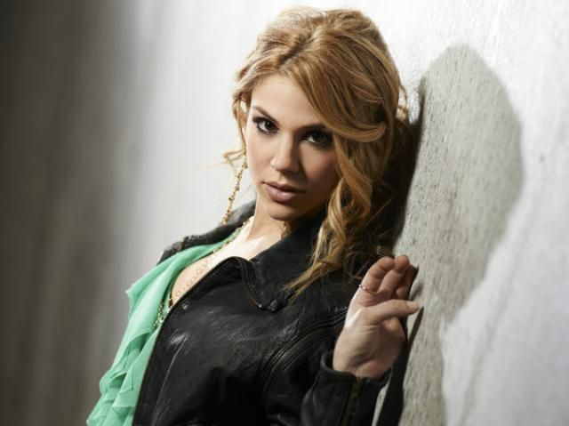 Kate Mansi weighs in on playing Days of Our Lives Abigail Deveraux and the men in her character's life.
