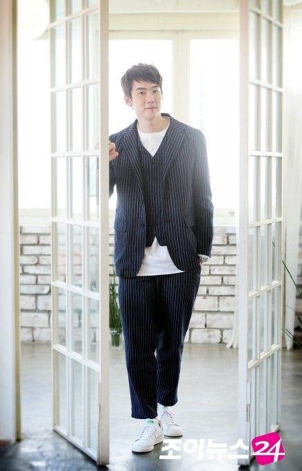 Yoo Yeon Seok   Yoo Yun Suk   유연석   D.O.B 11/4/1984 (Aries)