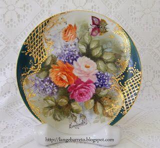 Pratos de porcelana pintado à mão