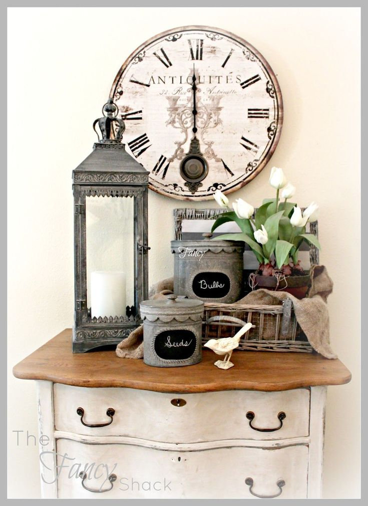 Love this display for spring ~ The Fancy Shack #shabbychicdressersblue