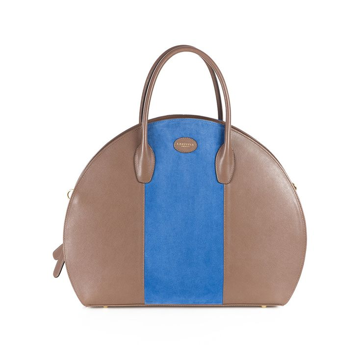 Leather shopping bag with saffiano print and suede inserts, golden details and removable shoulder strap. The bag is beige, but you can choose the color of the central band.