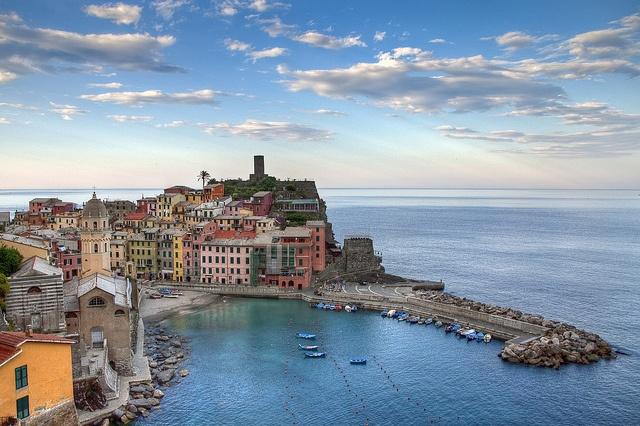 Vernazza, Italy / by R Alescio