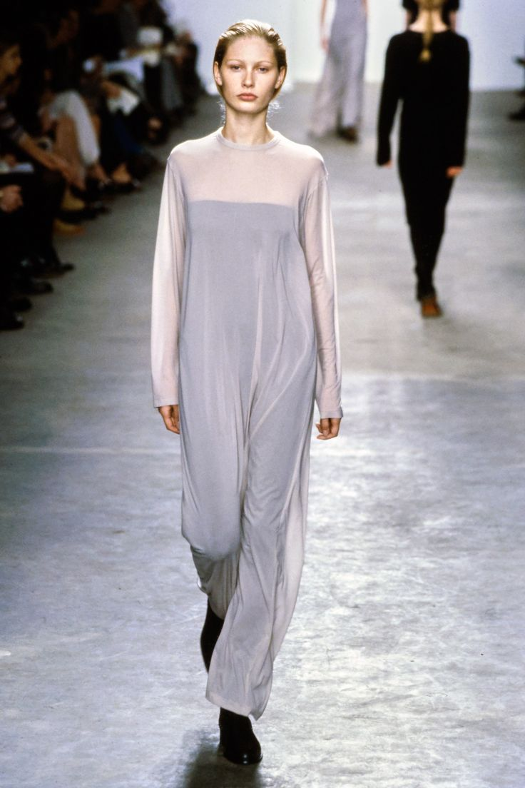 See the complete Calvin Klein Fall 1998 collection and 9 more Calvin Klein shows from the '90s.