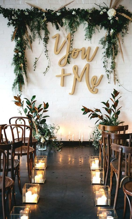 15 Gorgeous Indoor Wedding Backdrops To Try