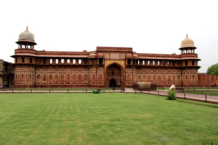 A visit to Agra is incomplete without Agra Fort, another UNESCO World Heritage monument. Situated on the bank of Yamuna river,this fort had confronted many invasions and ruins. Originally, there wa...