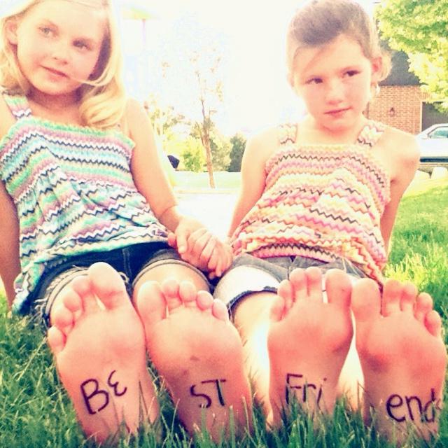 Cute idea for friend photoshoot