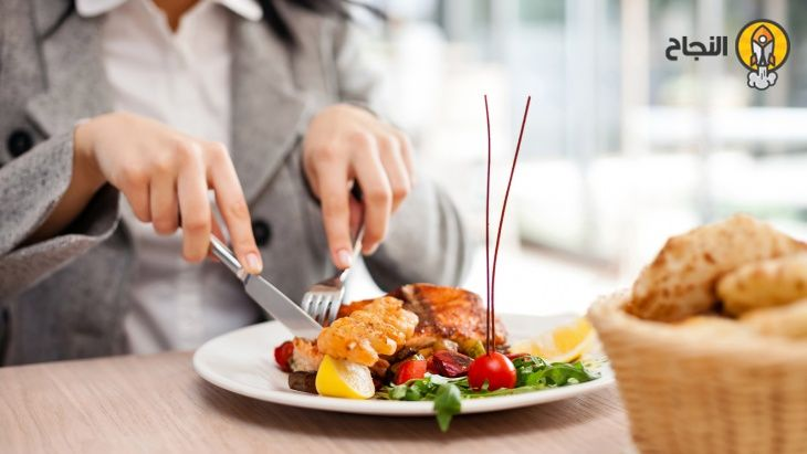 20 حيلة لتناول طعام صحي خارج المنزل Lunch Recipes Healthy Healthy Recipes Healthy