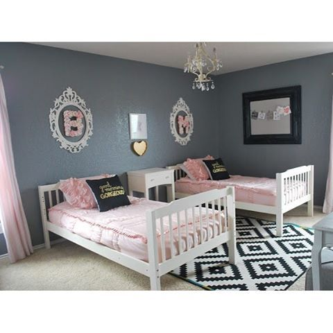 The cutest room makeover by @bitsofsplendor :two_hearts:These beds switch back and forth between bunk beds and two single beds. #ZipYourBed #Beddys #ZipperBedding