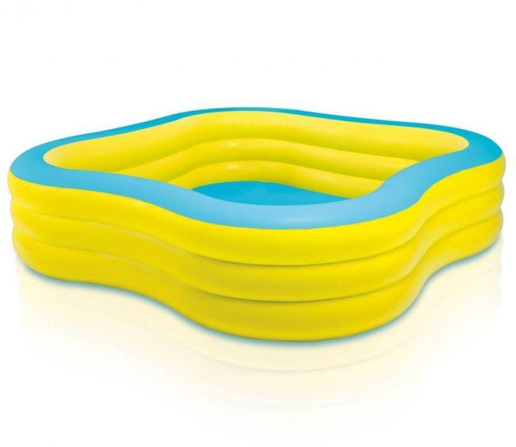 Opblaasbaar zwembad Family Pool  Dit zwembad is ideaal voor (water) plezier voor het hele gezin! De unieke vierkante vorm zorgt voor optimale speelruimte. De brede zijwanden zorgen voor extra comfort en stabiliteit.  EUR 32.90  Meer informatie